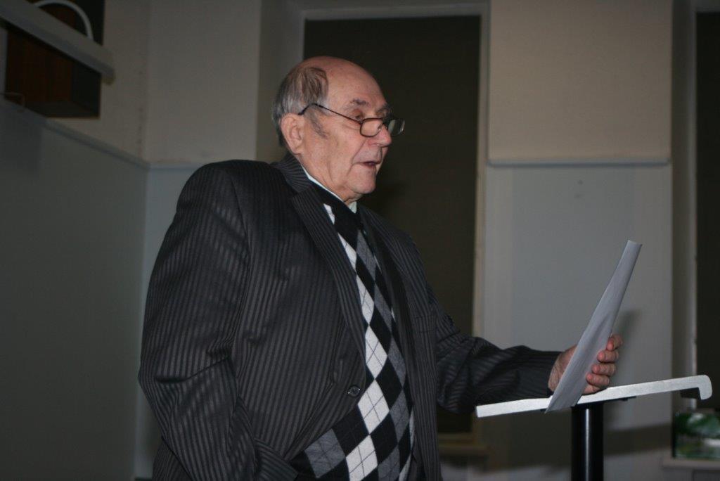 Peaettekandja professor Karl Õiger.